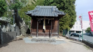 八ツ橋稲荷神社2.jpg